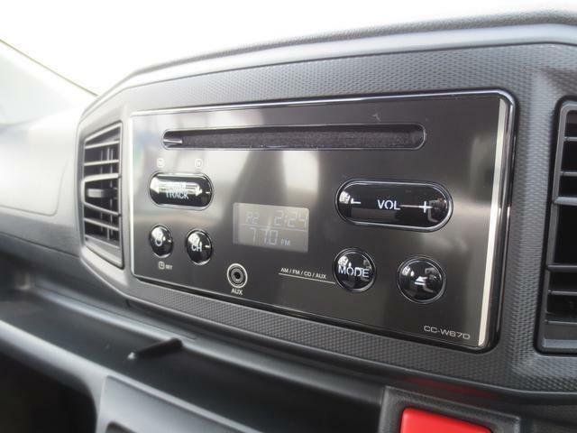 純正CDオーディオ☆お好きな音楽やラジオを聴きながらドライブをお楽しみいただけます♪