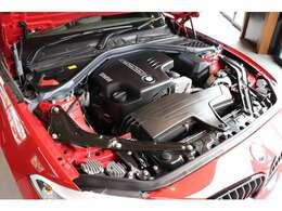 直列4気筒2.0Lツインパワーターボエンジンに8速スポーツAT、クラス唯一のFR駆動を組み合わせ0-100km/h加速は7.5秒を実現!