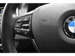 アクティブクルーズコントロールを装備しております。前車追従型のクルーズコントロールです。前車が停止すれば自車も停止し発進までも自動で行います。先進の安全機能が装備されております。