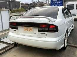 (財)日本自動車査定協会 中古自動車査定士  ・AIS検定技術「アドバイザー1級」取得。 お車の事なら何でもお任せください!