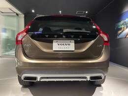 V60 クロスカントリー D4 SE  カラー トワイライトブロンズメタリック 排気量 2000cc走行距離 37500km