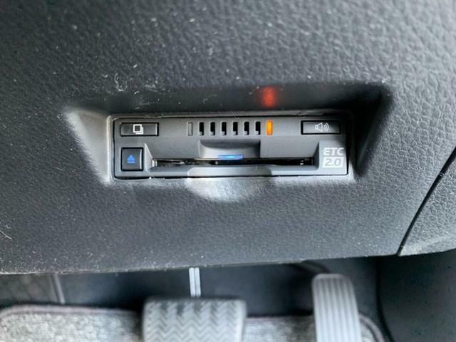 高速道路を走るには付いてほしい装備品の一つETC。小銭を探す手間や毎回窓を開け閉めする手間、渋滞緩和、燃費の向上まで見込めます!最近ではドライブスルーなどの高速道路以外での使い方も出来るように!?