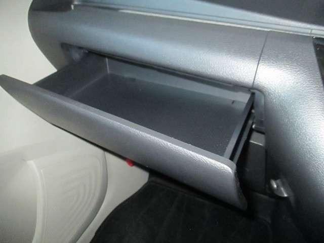 収納スペ-スが充実してます。車内も整理整頓でスッキリ出来ますね!