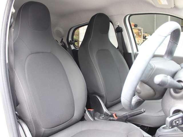 綺麗なままのシートコンディションです。シートヒーター付き。