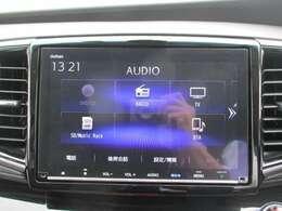 純正メモリーナビ(VXM-197VFNi)です。DVD/CD再生のほかにもフルセグTV、ミュージックサーバー、USB接続、Bluetooth連携機能も装備されとっても便利です!