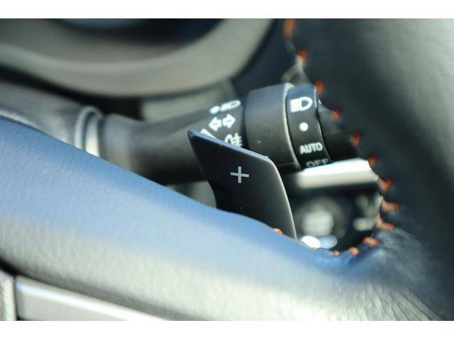 【パドルシフト】ステアリング横のパドルシフトを使えばマニュアル車感覚で走行できますので、マニュアル好みの方にもおすすめです★