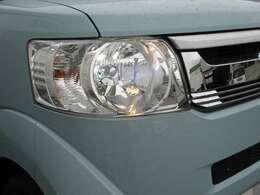 ヘッドライトはもちろんHID!!明るさが違います♪