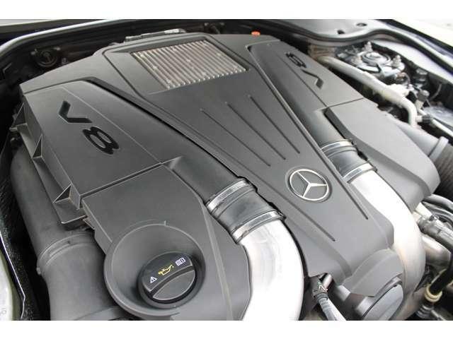 ■V8・4.7Lツインターボ/馬力435PS/トルク71,4Kgm(カタログ値)■