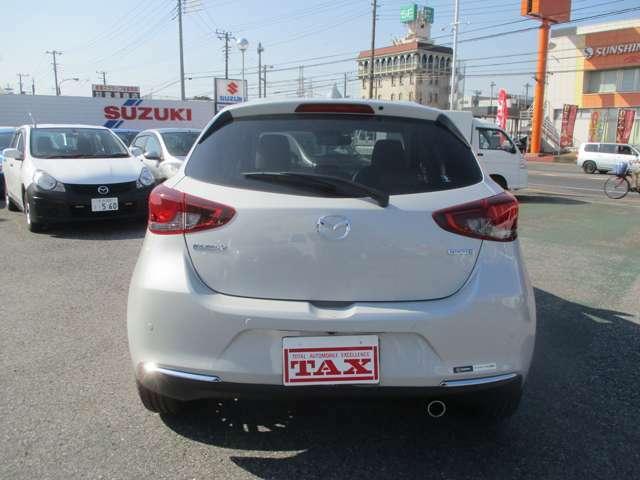 お車をご購入頂いたお客様には無料のTAXゴールド保証をご用意しております。更に1年間のロードサービスが付帯されます。万一の際も安心をお届けいたします。