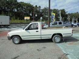 購入後のお付き合いも大事に!ハラ自動車なら、ナビやタイヤなどのパーツ販売取り付け、車検や一般整備、板金塗装などお車のことなら何でもお任せ下さい。長いお付き合いをしましょう!