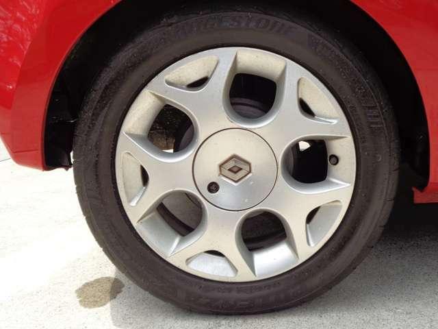 綺麗なホイールです。タイヤの状態も良いです。