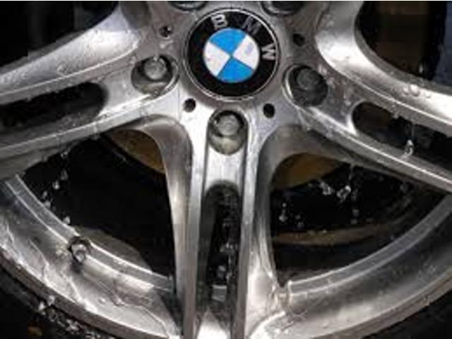 Bプラン画像:弊社おすすめのホイールコーティング!ブレーキダストを簡単に落としやすくなり、よりお車をきれいに保っていただくことが可能です♪