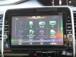 BluetoothやUSBの接続でスマホの音楽を聞いたりTVやDVDも見れる純正ナビゲーション!