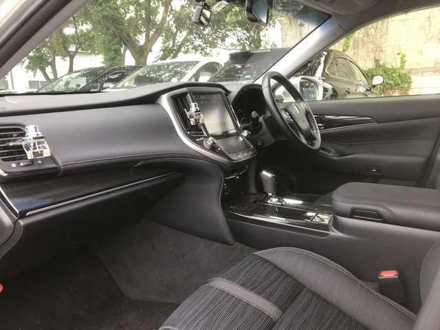 車内のデザインが黒を主張していて大変スマートです!