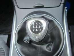 ワンオーナー!禁煙車!5速MT!横滑りDSC!走行少ない22543キロ!HIDライト/純16AW/クリアテール/ポータブルナビ/バックカメラ/キーレス/イモビ/ETC/革巻きステアリング/オートAC