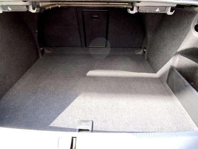 フォルクスワーゲントップクラスの容量を確保したトランク