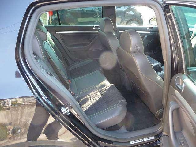 マニアが多い車で、スタイルが特徴的です。飽きのこないデザインで人気が衰えません。