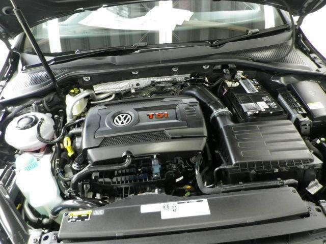 2000ccターボエンジン搭載!ゴルフR用のユニットをベースに専用チューニングが施されたパワフルなエンジンです!