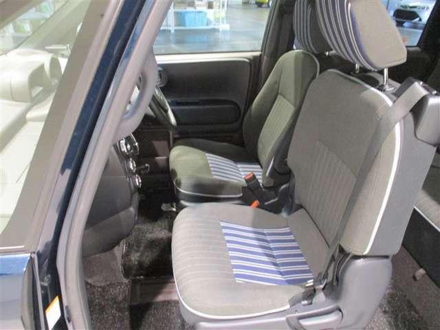 <フロントシート> シートはいちど車両から取り外し洗浄、除菌、消臭を行っておりキレイな状態です♪ぜひ店舗でご体感下さい。