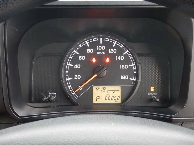 【メーターパネル部】現在の走行距離は約66,260kmです。まだまだ元気な車ですよ♪