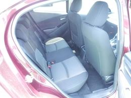 リヤシートは使い方に応じたスペースアレンジができる6対4分割シート。