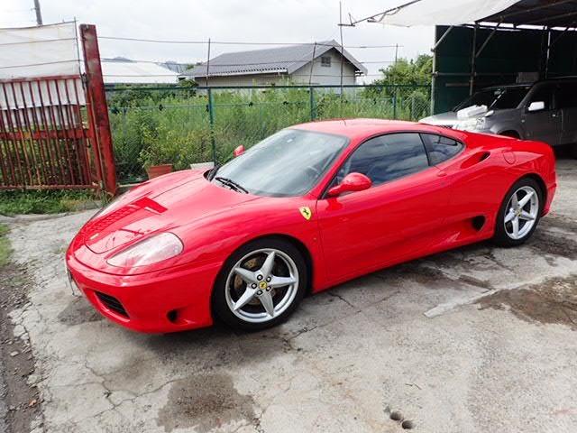 事故修復歴ありません。エンジン、ミッション正常に作動します。非常に大事に乗られていた車両で、屋内車庫にて保管状態もよく、内外装ともに年式の割にはきれいです。