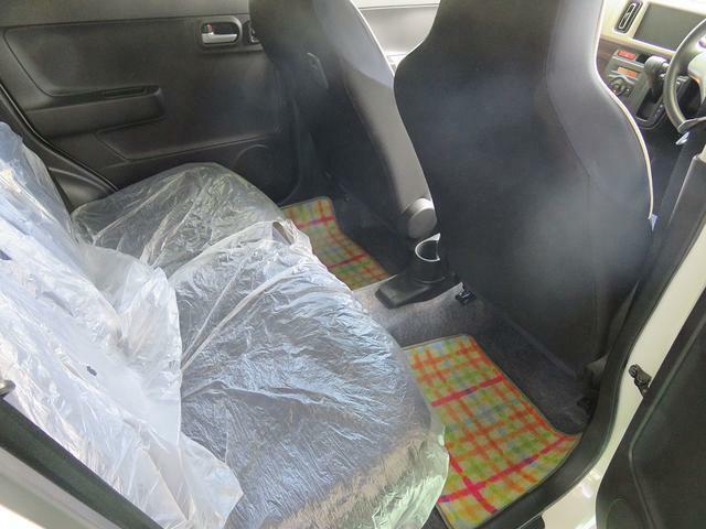 意外と広い後部座席!