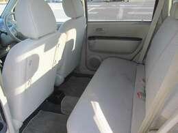 使用感はありますが、後部座席も比較的程度の良い状態が保たれております。
