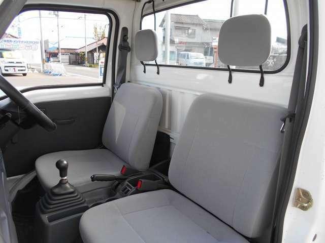 指定整備工場完備です♪ 国家資格を持った自動車整備士が点検整備を行うので安心ですね♪