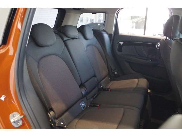 ★お車のお見積りと合わせましてMINI自動車保険のお見積もご用意できます。MINIオーナー様へ向けたMINIディーラーだけの特典がございますMINI自動車保険につきましてもお気軽にご相談下さい。