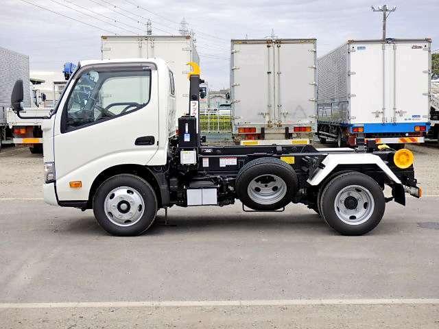 車両総重量5955kg 最大積載量3000kg