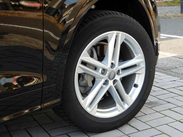 タイヤの溝も十分にあります!4本のホイールにガリ傷はありません!