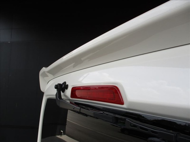 ハイマウントストップランプがあれば、後続車にも分かりやすく安心ですね!(^^)!