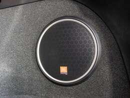 ハリアー専用設計JBLサウンド搭載!11スピーカーの搭載により高音質をお楽しみ頂けます!