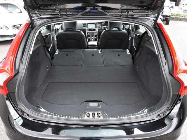 スウェーデンの車、ボルボは、高い安全性能、先進的な技術、洗練された北欧デザインが魅力の車です。