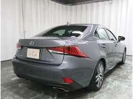 当社専門スタッフにより展示前にお車をチェックして、車両検査証明書を掲載しております。