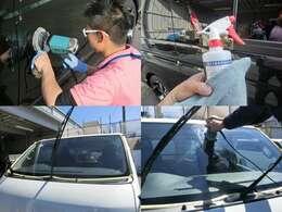 新車は入庫時にグラスコート【簡易Vre】を施しています! 納車時にもコート剤及びフロントガラスにもコートを施しています! 納車されてガラスやボディが水垢やウロコだらけじゃ悲しいですよね・・・