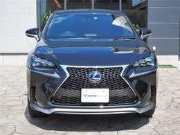 角型3眼LEDヘッドライト<¥70,000->/プリクラッシュセーフティシステム<¥60,000->レーダークルーズコントロール/レーンキープアラートセット<¥35,000->オートマッチックハイビーム
