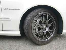 Neez製純正同サイズ18インチ鍛造AW+AMG承認モデルブリジストンポテンザ050-MO8-9部山残 Bロータは6万キロ時に前後新品交換済です♪
