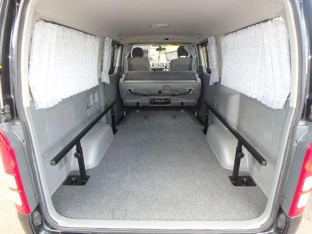 只今大人気の車中泊に最適!!スペースの有効利用・棚としてもご利用頂けます!!