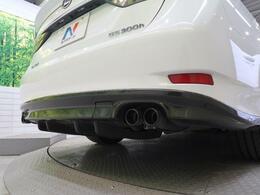 ●【TRD製エアロパーツ&マフラー】装備!トヨタの老舗チューナ-として名高いメーカーです☆すっきりとしたデザインが特徴で車のシルエットを活かしながら迫力をアップさせる技術も持っています☆