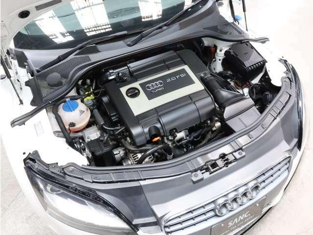 エンジンルームも非常にキレイです。RECS(吸気系エンジン内部洗浄システム)等のオプションメニューもご用命下さい。詳しくはフリーコール 0078-6002-617225