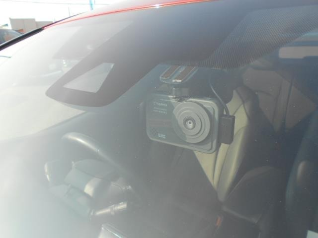 1年間・走行距離無制限の「ロングラン保証」が付いています。全国5000カ所のトヨタディーラーで保証修理が可能です。また、年数を1年又は2年延長できる有料保証「ロングラン保証α」ございます。