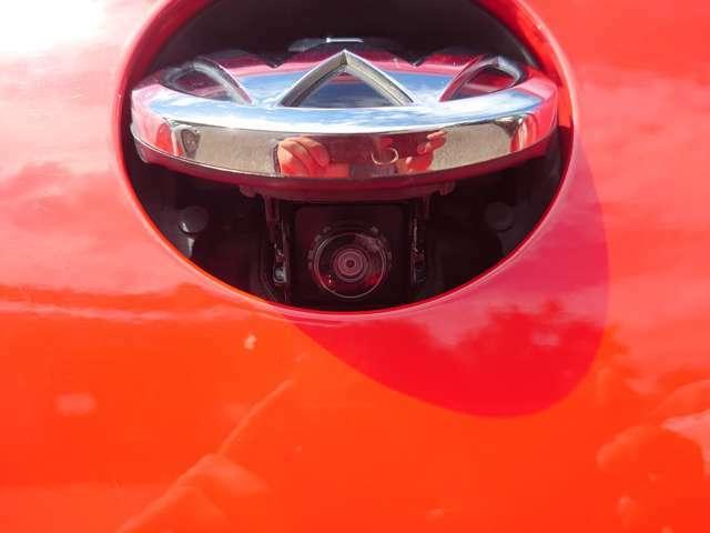 格納式バックカメラです。
