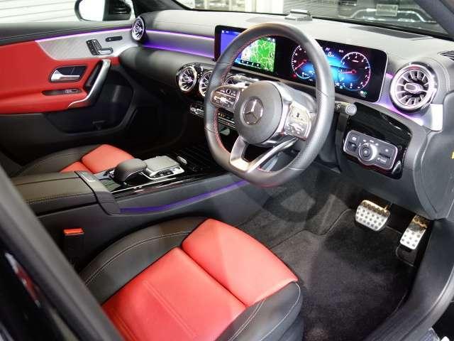 <メルセデスの認定中古車「サーティファイドカー」には、最大100項目にも及ぶ点検・整備項目が設定されています>