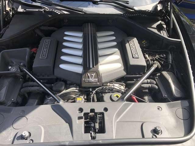 6.6リッター V12ターボエンジン