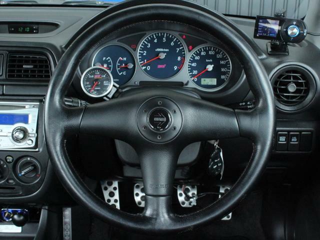 6速マニュアル ターボ フルタイム4WD