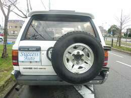 背面タイヤつき。トヨタ点検整備にて対応致します。