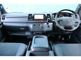 未登録新車 ハイエースV スーパーGL 特別仕様車「ダークプライムII」 2800cc ディーゼル 2WD 両側パワースライドドア付き