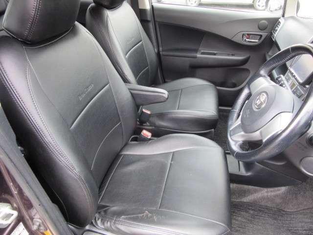 社外のシ-トカバ-がついています。運転席には、やや傷みがみられます。
